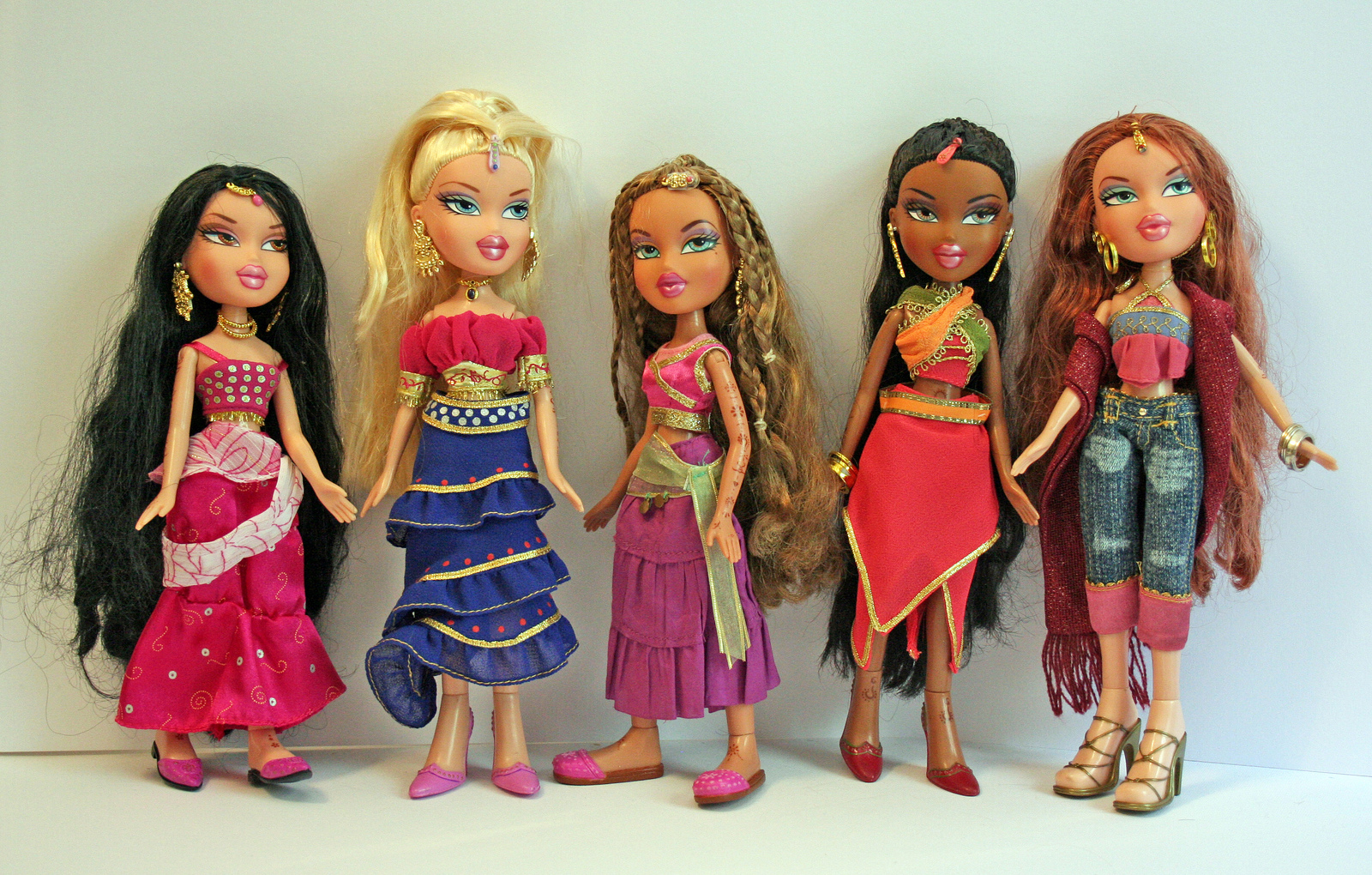 bratz together